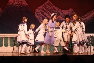 'Sound of Music' warms audience hearts