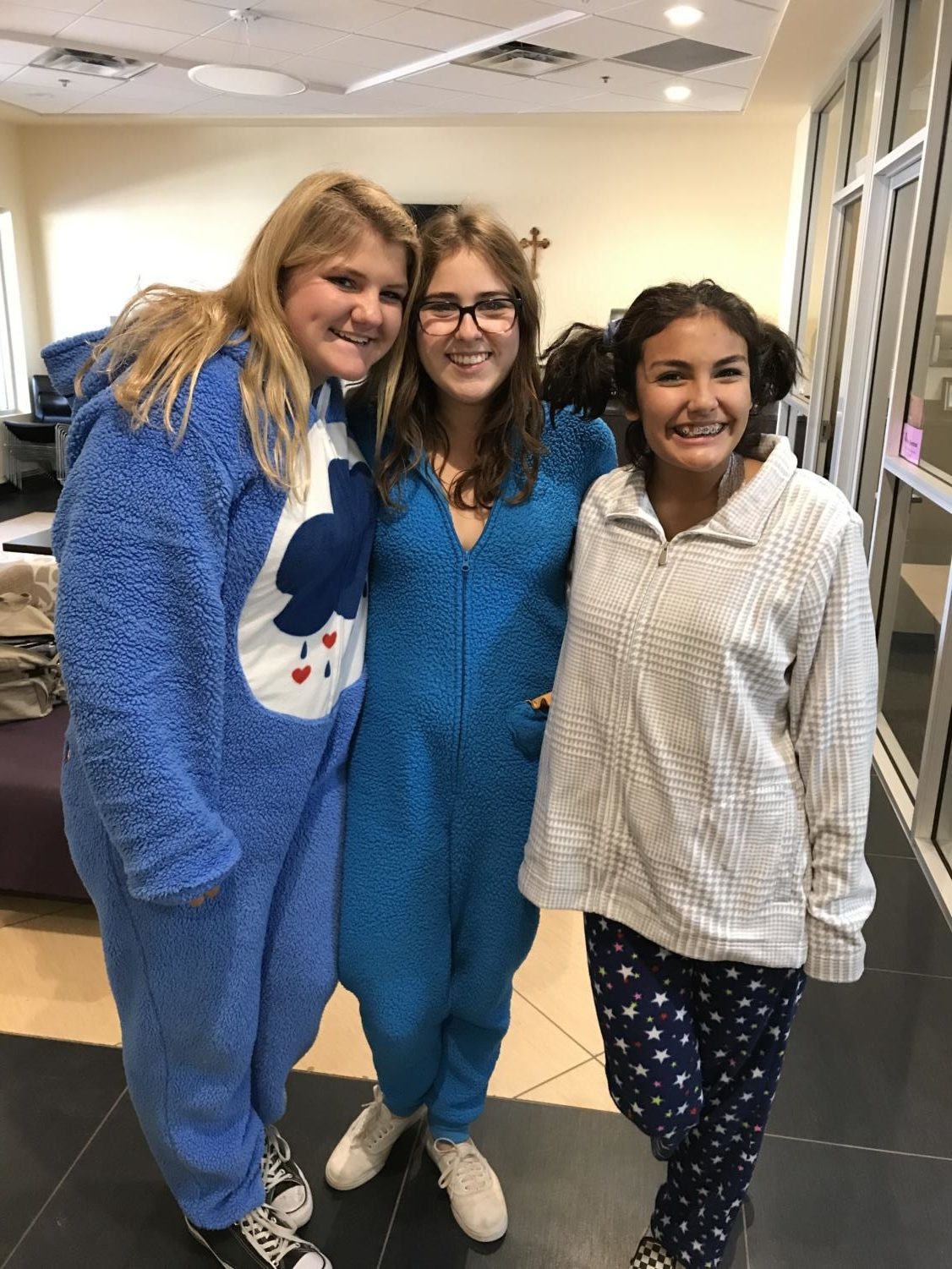 Freshmen Hayley White, Macy Brennan, and Juju Montes in their costumes (Samantha Torre/The Seraphim).